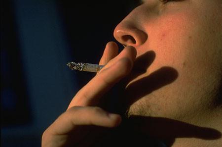 Ежедневное курение возвращает депрессию