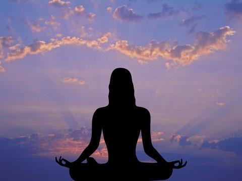 Медитируйте – это помогает в борьбе со стрессом