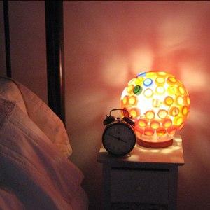 Сон с ночником ведет к развитию депрессии