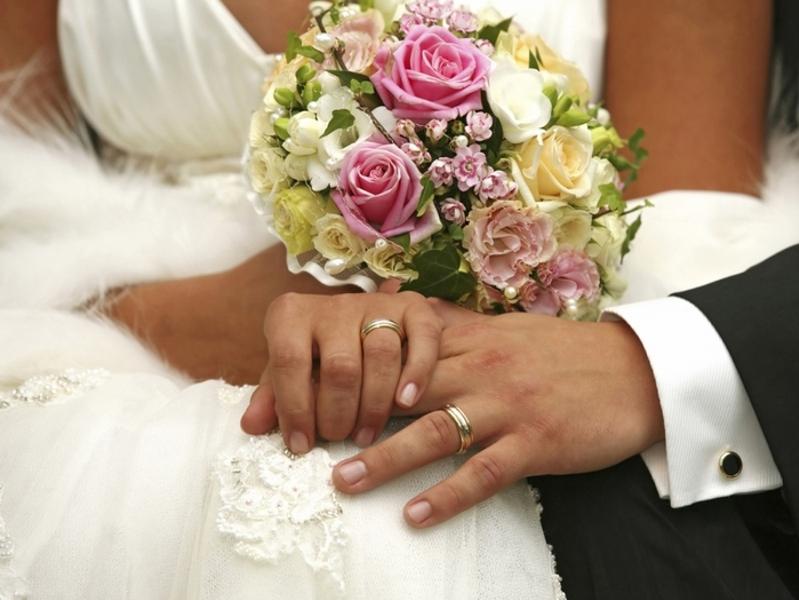 Законный брак гораздо более значим для женщины чем для мужчины