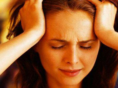Тревожное и депрессивное состояние влияют на общее состояние головы и желудка