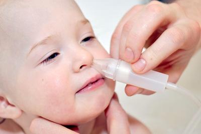 Первая помощь ребенку при насморке