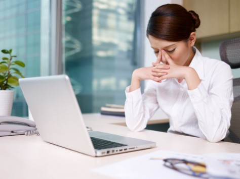 Ученые объяснили почему работать сверх нормы опасно для здоровья