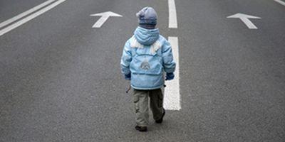 Как научить ребенка правильно и безопасно переходить дорогу