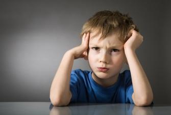 Депрессия у детей: причины, симптомы и лечение