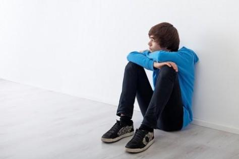Депрессия у подростка: Что делать?