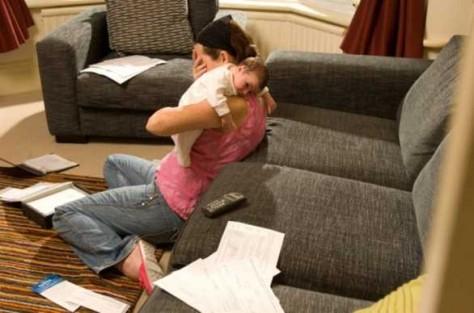 Известно, от чего у молодых мам может начаться депрессия
