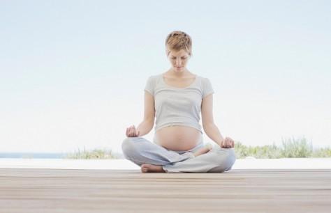 Медитативная техника поможет беременным женщинам избежать депрессии