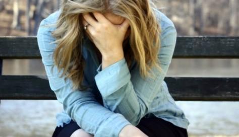 Депрессия матери связана с рискованным поведением подростков