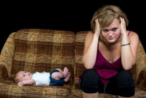 Послеродовая депрессия: что советуют врачи