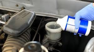 Как правильно производить проверку и долив охлаждающей жидкости