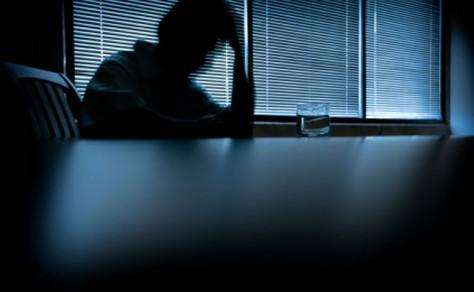 Изменение поведения и депрессия могут быть следствием Альцгеймера
