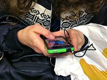 Смартфоны доводят подростков до депрессии и бессонницы