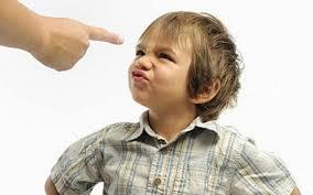 Почему опасно кричать на детей