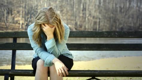 Женская депрессия возникает от нехватки сна