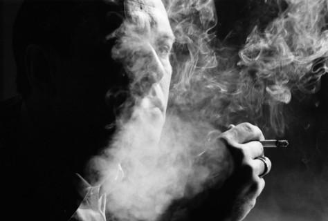 Курящие люди больше подвержены депрессиям