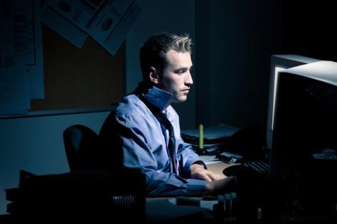 Ночная работа за компьютером вызывает депрессию