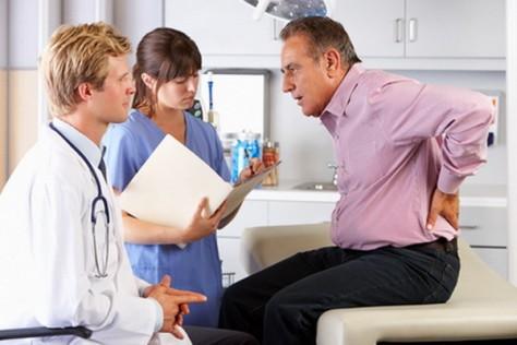 Ученые: Депрессия может провоцировать боли в спине