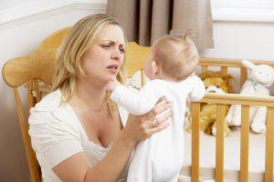 Как плач младенца действует на мам с депрессией?