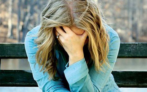 Депрессия повышает риск инсульта у женщин среднего возраста