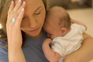 Послеродовая депрессия влияет на сон младенца
