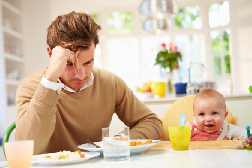 Доказано: постродовая депрессия у отца — реальность, а не миф
