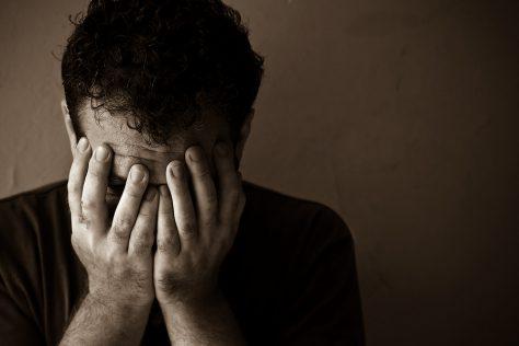 Депрессия значительно повышает риск переломов
