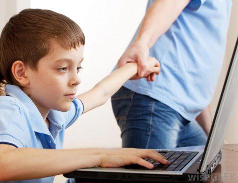 Интернет зависимость повышает риск вознкновения депрессии у подростков
