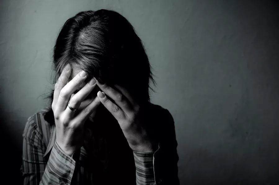 Чаще всего причиной женской депрессии являются проблемы в личной жизни
