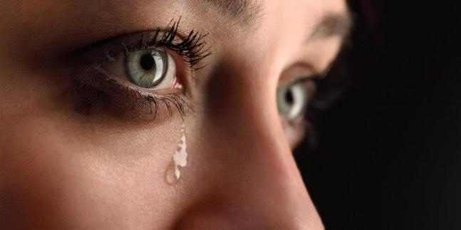 Плачете? Вы сильный духом человек!