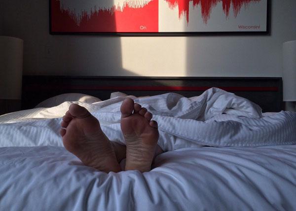 Если вы подолгу не можете уснуть, испытываете тревожность, рано просыпаетесь и ворочаетесь до утра – это признаки депрессии.