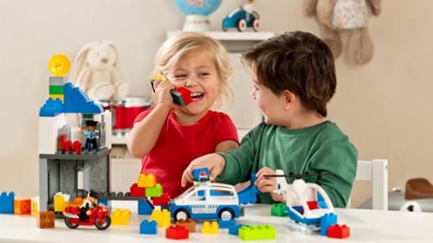 Игрушки оказывают влияние на детскую психику