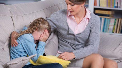Риск самоубийства у ребенка повышается из-за смерти его родителей в детстве
