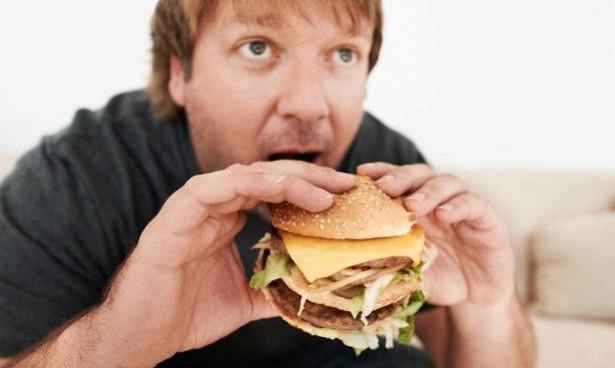 Привычка есть в одиночку ведет к ожирению