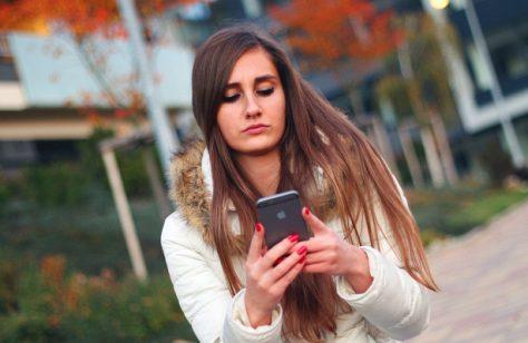 Стресс усиливает зависимость от смартфона
