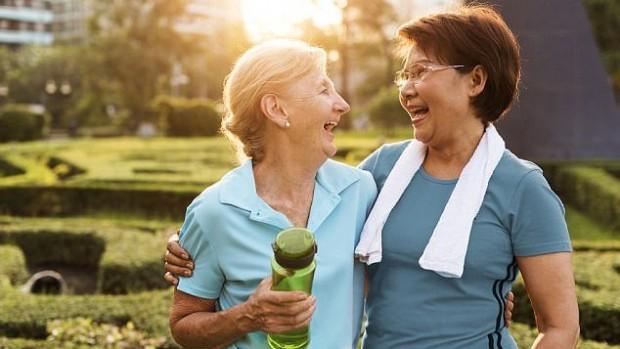 Дружба имеет более важное значение для здоровья и счастья, чем семья