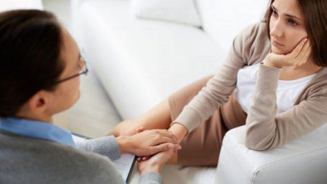Психологическая помощь помогает избавиться от депрессий и фобий