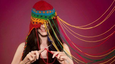 Вязание и рисование помогают предотвратить стресс и депрессию у молодых людей
