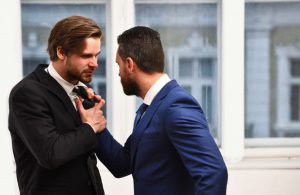 Длительные конфликты изменяют строение мозга