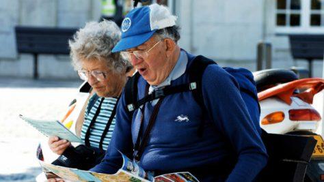 Ученые объяснили, почему пожилые люди теряют способность к навигации
