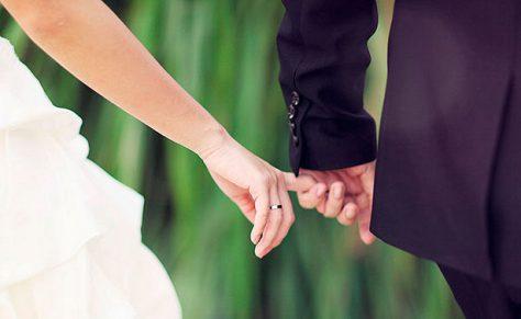 Ученые выяснили, почему важно держаться за руки
