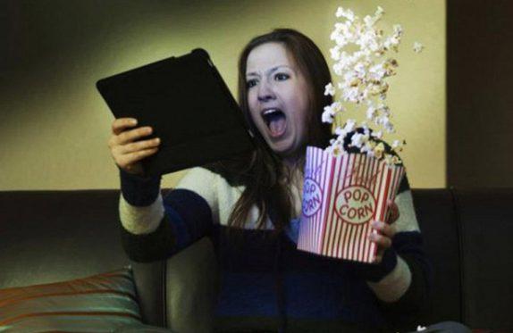 Просмотр кино может «сломать» биоритмы человека