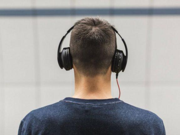 Музыка целебна для людей с болезнью Альцгеймера