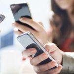 Смартфон мешает наслаждаться общением с близкими