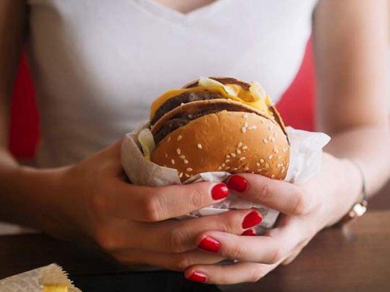 Названы продукты, которые защитят психику подростков от срывов