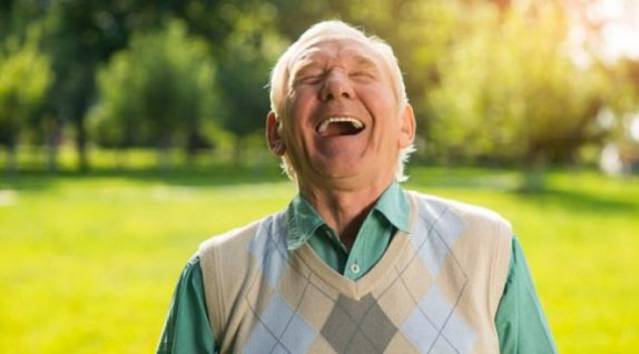 Умение смеяться над собой лишает человека агрессии