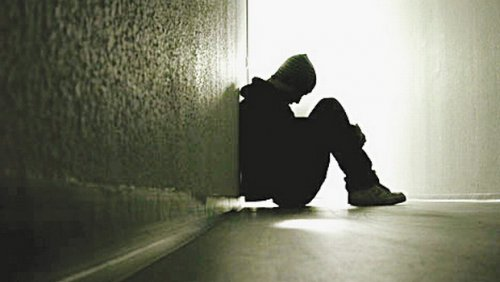 Потерявшие родителей дети чаще совершают самоубийства