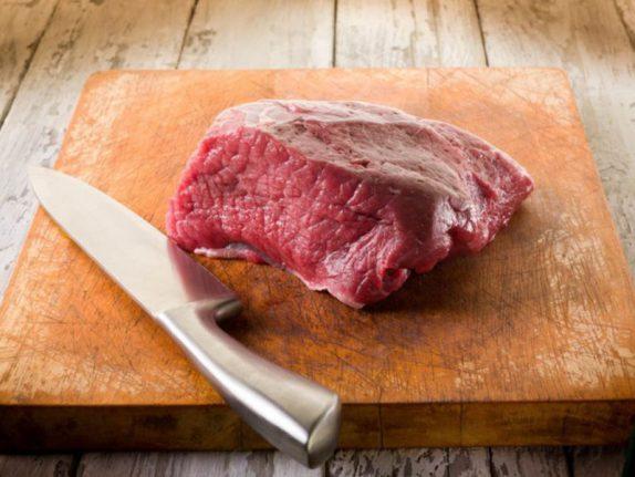 Мясо провоцирует развитие тяжелого психического заболевания
