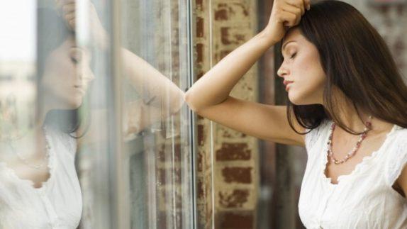 Специализированная помощь и поддержка близких избавят вас от депрессии