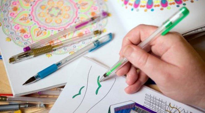 Книжки-раскраски помогут взрослым победить стресс